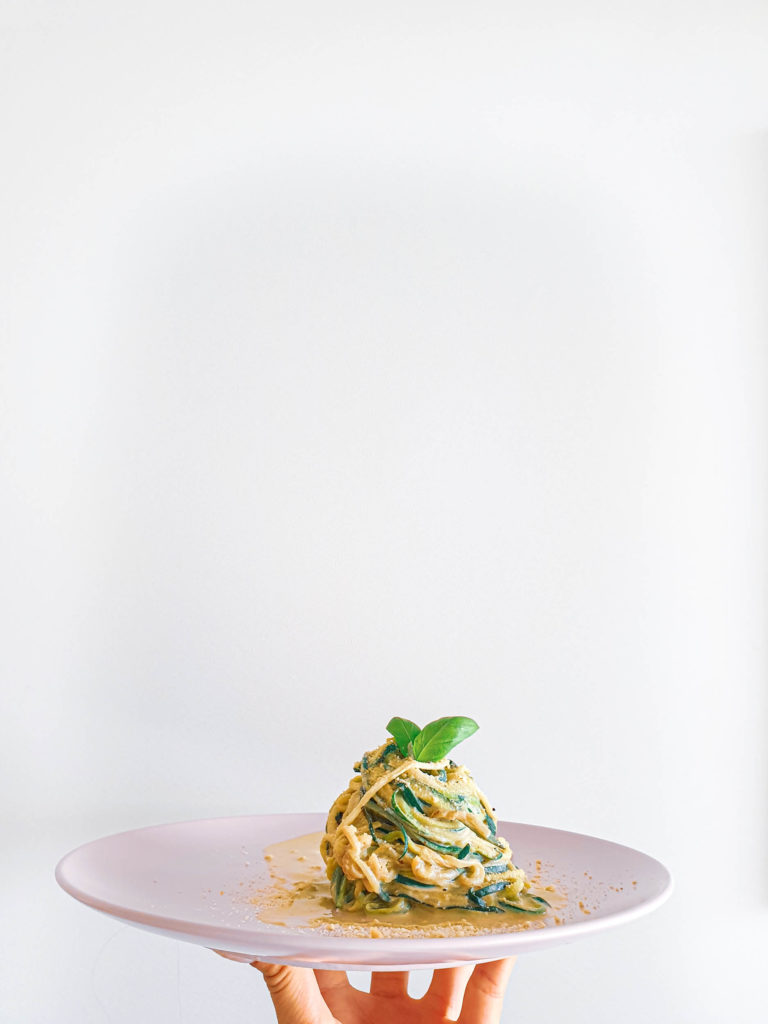 zucchini, spaghetti, cashew cream, vegan, healthy, vegan cheese