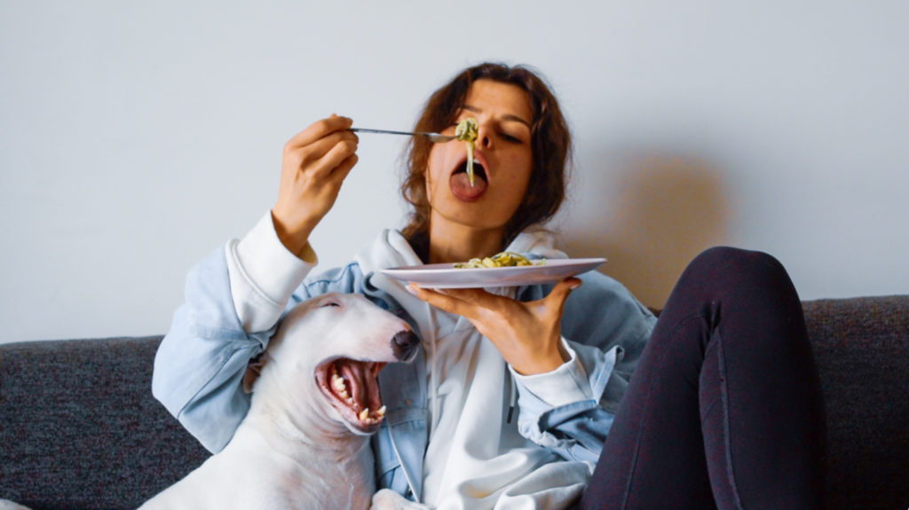 Geisterra, girl, dog, eating, spaghetti